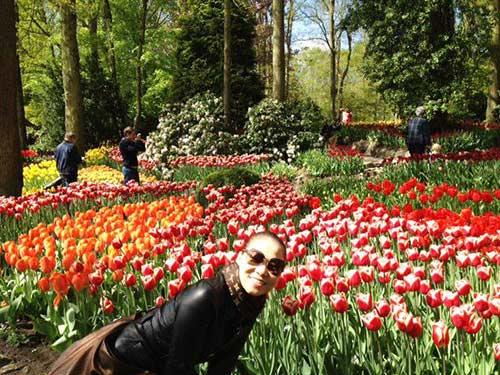 thu minh ve que chong ngam hoa tulip - 10