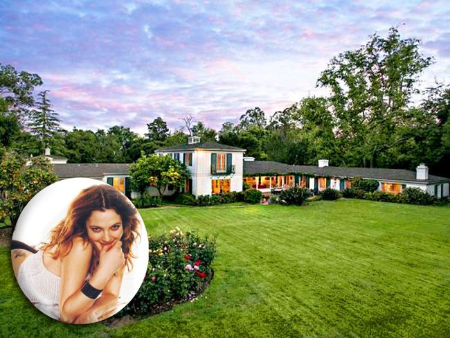 Drew Barrymore mua căn nhà này từ năm 2010 với giá 5,7 triệu USD (gần 120 tỷ đồng), giờ cô muốn bán nó giá 7,5 triệu USD (khoảng hơn 157 tỷ VNĐ).