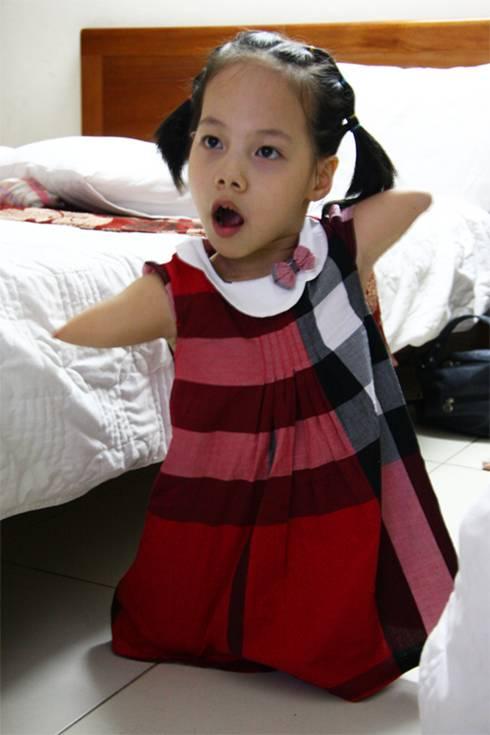 me be linh chi: so nhat con bi ky thi - 1
