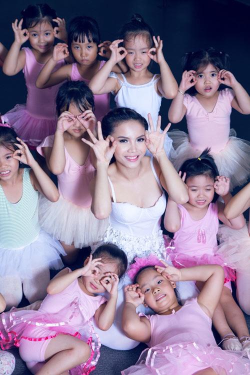 yen trang mua ballet cung cac ban nho - 12