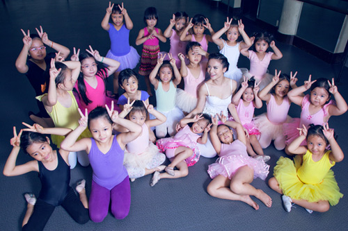 yen trang mua ballet cung cac ban nho - 13