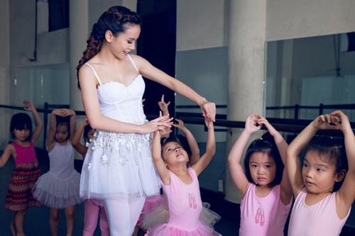 yen trang mua ballet cung cac ban nho - 10