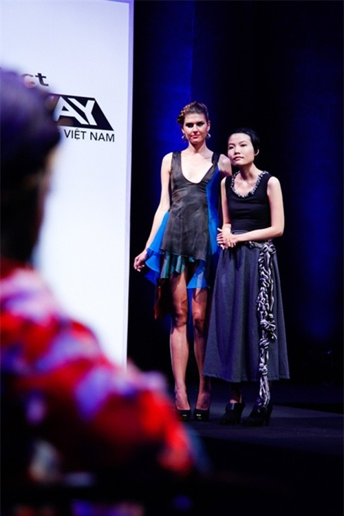 thi sinh project runway bi 'nem da' vi thai do tho o - 7