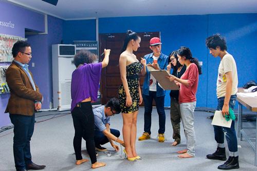 project runway: maya gay 'kho khan' cho thi sinh - 1