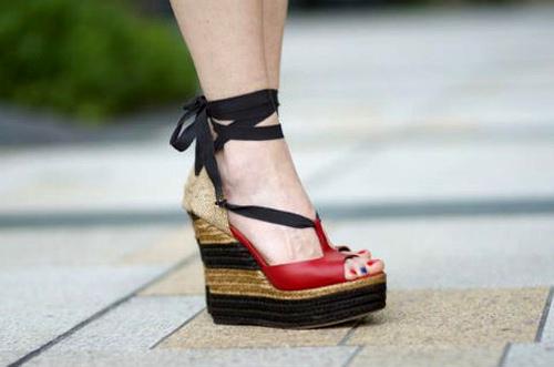 sandal cho mua di bien - 6