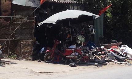 """lang ty phu nho """"an"""" xac xe may - 2"""