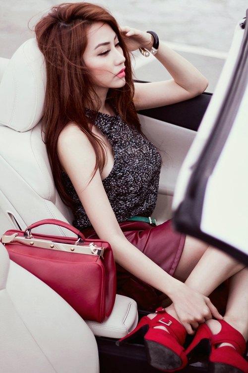 ngan khanh sexy khoe chan thon cuc nuot - 7