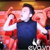 Psy nhí nhảy cực sung tại rạp chiếu phim