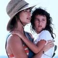 Xem & Đọc - Những sao Hollywood đóng phim với con
