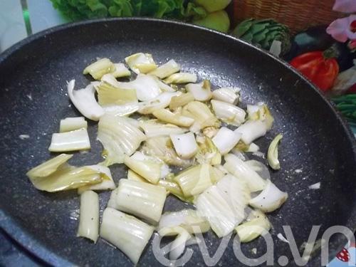 Giòn giòn dạ dày kho dưa cải trứng cút - 5