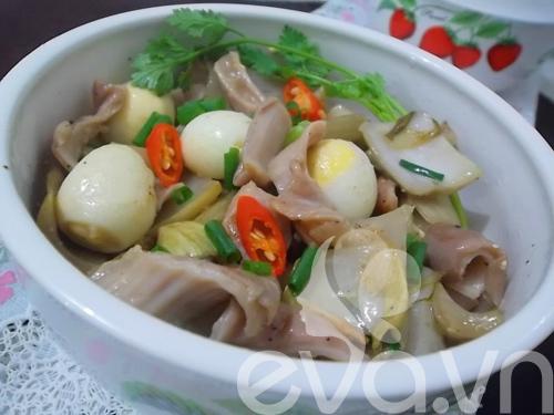 Giòn giòn dạ dày kho dưa cải trứng cút - 9