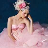 Chọn váy cưới cho cô dâu vai rộng