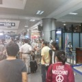 Tin tức - Khách ngủ ở sân bay vì Vietjet Air trễ chuyến