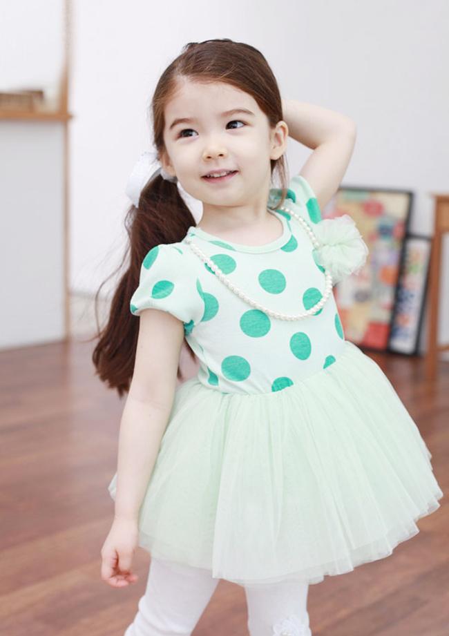 Công chúa nhỏ xinh như thiên thần Lauren Lunde (18/05/2008) lai giữa hai dòng máu Canada – Hàn.