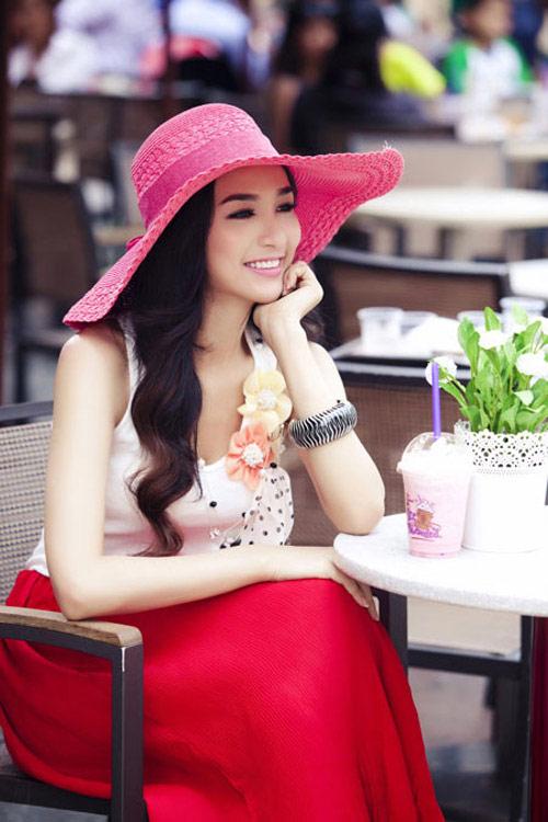 Cùng sao Việt chọn mũ cho chuyến du lịch hè - 7