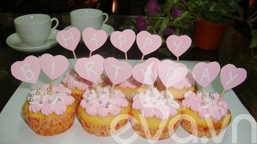 cupcake sua chua de thuong mung sinh nhat - 9
