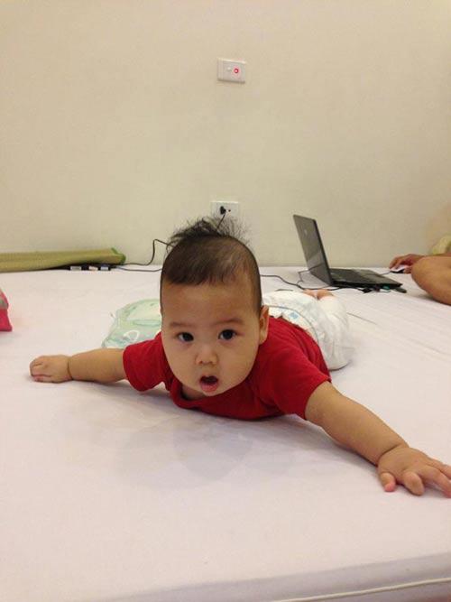 cũng vừa có bé thứ 2, bé được đặt tên là Hải Long