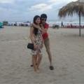 Làng sao - Hiệp Gà ôm eo vợ sắp cưới bên bãi biển
