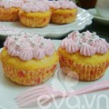 Cupcake sữa chua dễ thương mừng sinh nhật