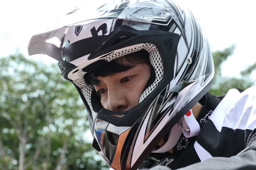 Ai đi moto ngầu nhất màn ảnh Hàn? - 8