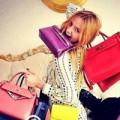 Thời trang - Ma lực từ túi xách đơn sắc