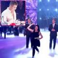 Làng sao - Simon Cowell bị ném trứng tại chung kết Got Talent