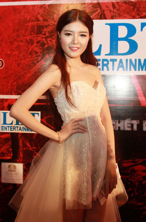 "angela phuong trinh ""bong mat"" sau scandal - 7"