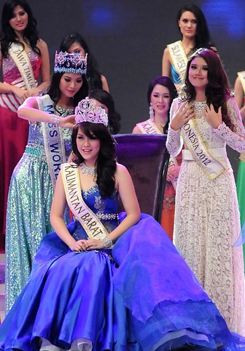 miss world 2013 bi de doa bieu tinh - 1