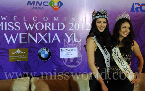 miss world 2013 bi de doa bieu tinh - 3