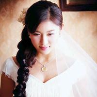 Tóc bới xinh cho cô dâu ngày cưới