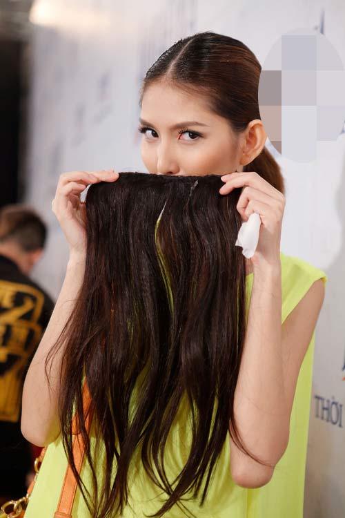 Phương Linh gây bất ngờ với tóc tém - 14