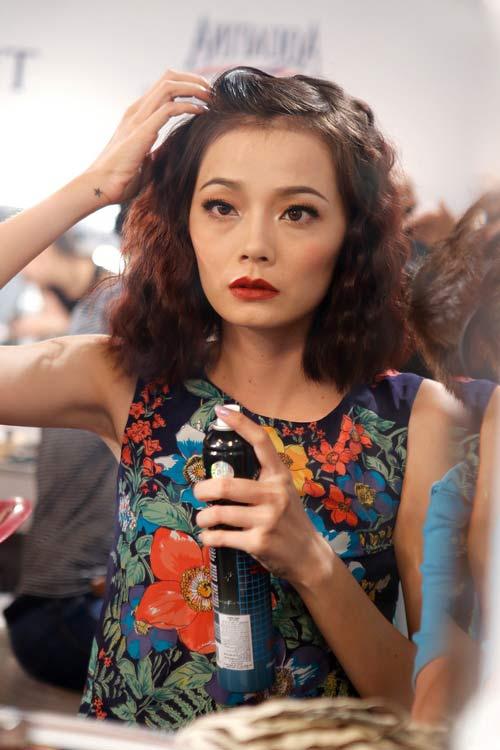 Phương Linh gây bất ngờ với tóc tém - 17