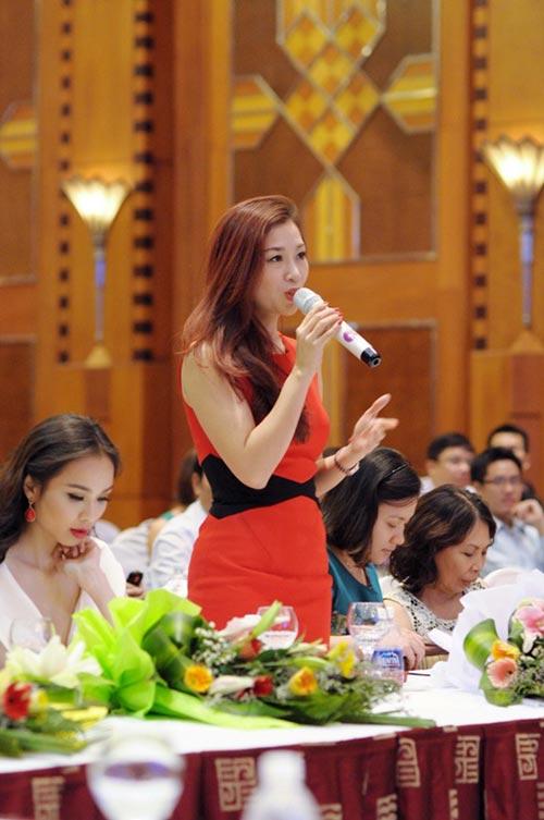 """a hau thu huong do sac cung """"dan em"""" - 2"""