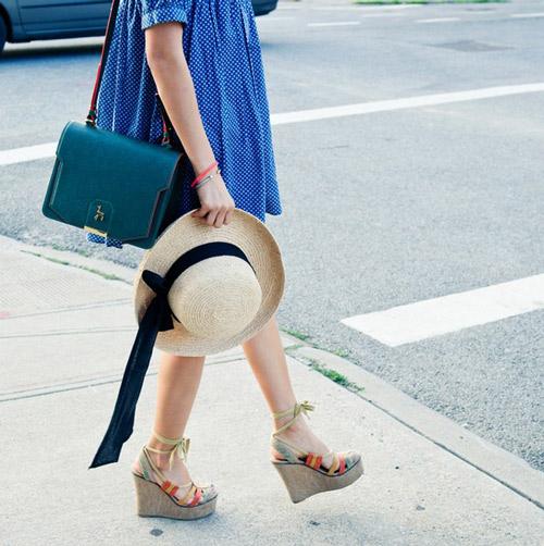 street style mat lanh cung xanh duong - 7