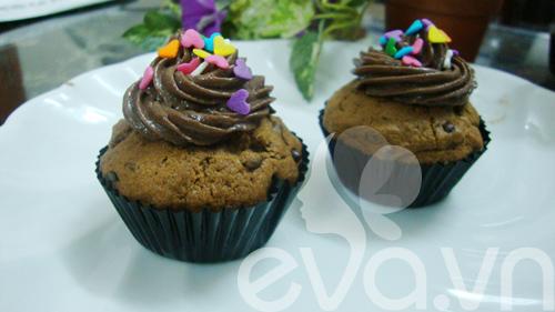 Cupcake sô cô la cà phê - 11