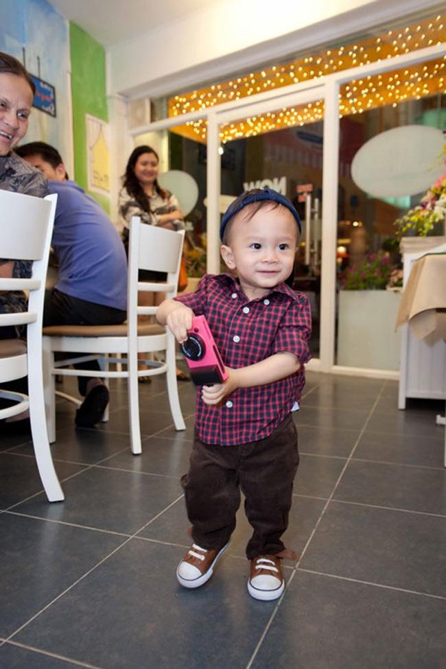Sinh ngày 19/12/2011, bé Jacky Minh Trí - 'con trai' Ngô Kiến Huy và Thụy Anh, em gái 'búp bê' Thanh Thảo hiện đã được 1,5 tuổi.