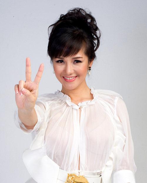 """hong nhung: toi phai """"vat va"""" dua cac em ve - 8"""