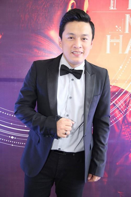 vo chong hong ngoc tham thiet mung lam truong - 1