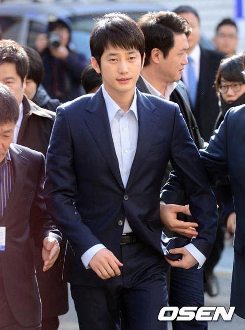 sau scandal, park shi hoo viet thu tay gui fan - 2
