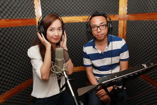 "ai phuong ""chuyen nghe"" lam mc radio - 7"