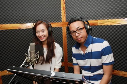 "ai phuong ""chuyen nghe"" lam mc radio - 6"