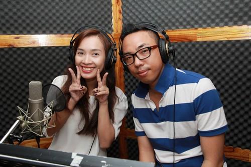 "ai phuong ""chuyen nghe"" lam mc radio - 5"