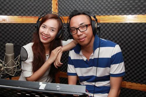 "ai phuong ""chuyen nghe"" lam mc radio - 4"