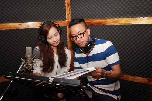 "ai phuong ""chuyen nghe"" lam mc radio - 3"