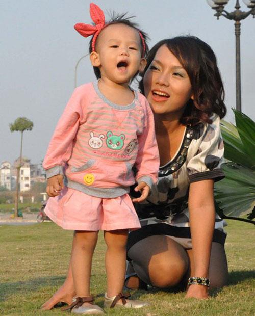 """bi quyet hanh phuc cua """"single mom"""" vbiz - 2"""