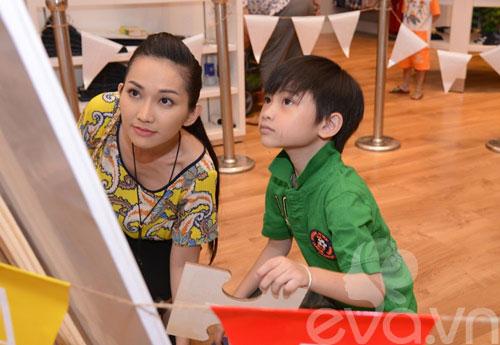 """bi quyet hanh phuc cua """"single mom"""" vbiz - 9"""
