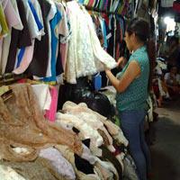 Một ngày lang thang chợ hàng thùng Đông Tác
