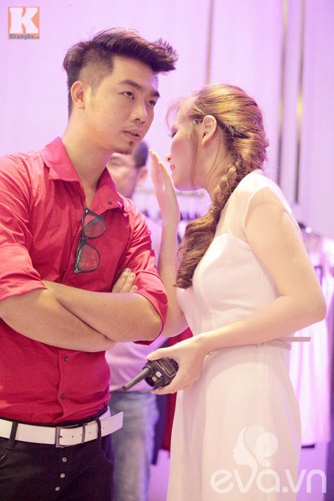 dan le xinh dep lam dao dien chuong trinh - 5