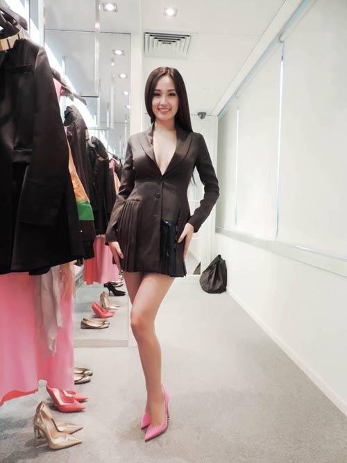 mai phuong thuy hao huc chon do o hong kong - 10