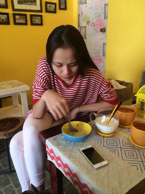 hot: diem huong buon ba du duoc phep bieu dien - 2